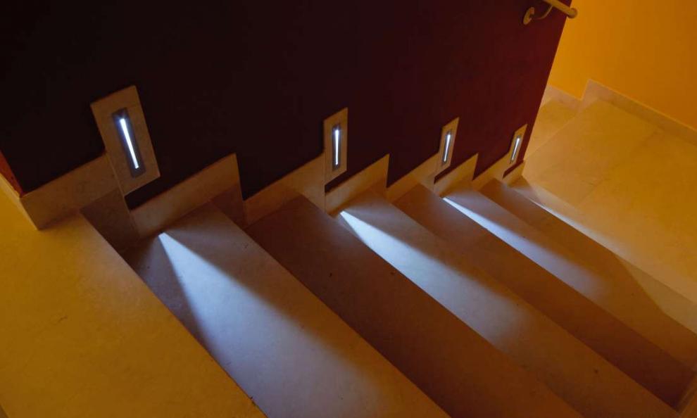 Iluminaci n escaleras 2 panama lighting - Iluminacion de escaleras ...